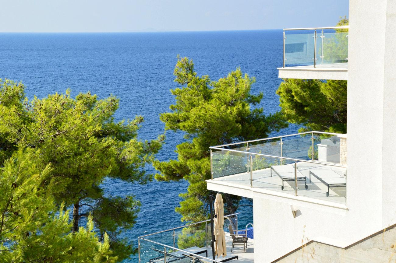 Villa moderne au calme en bord de mer