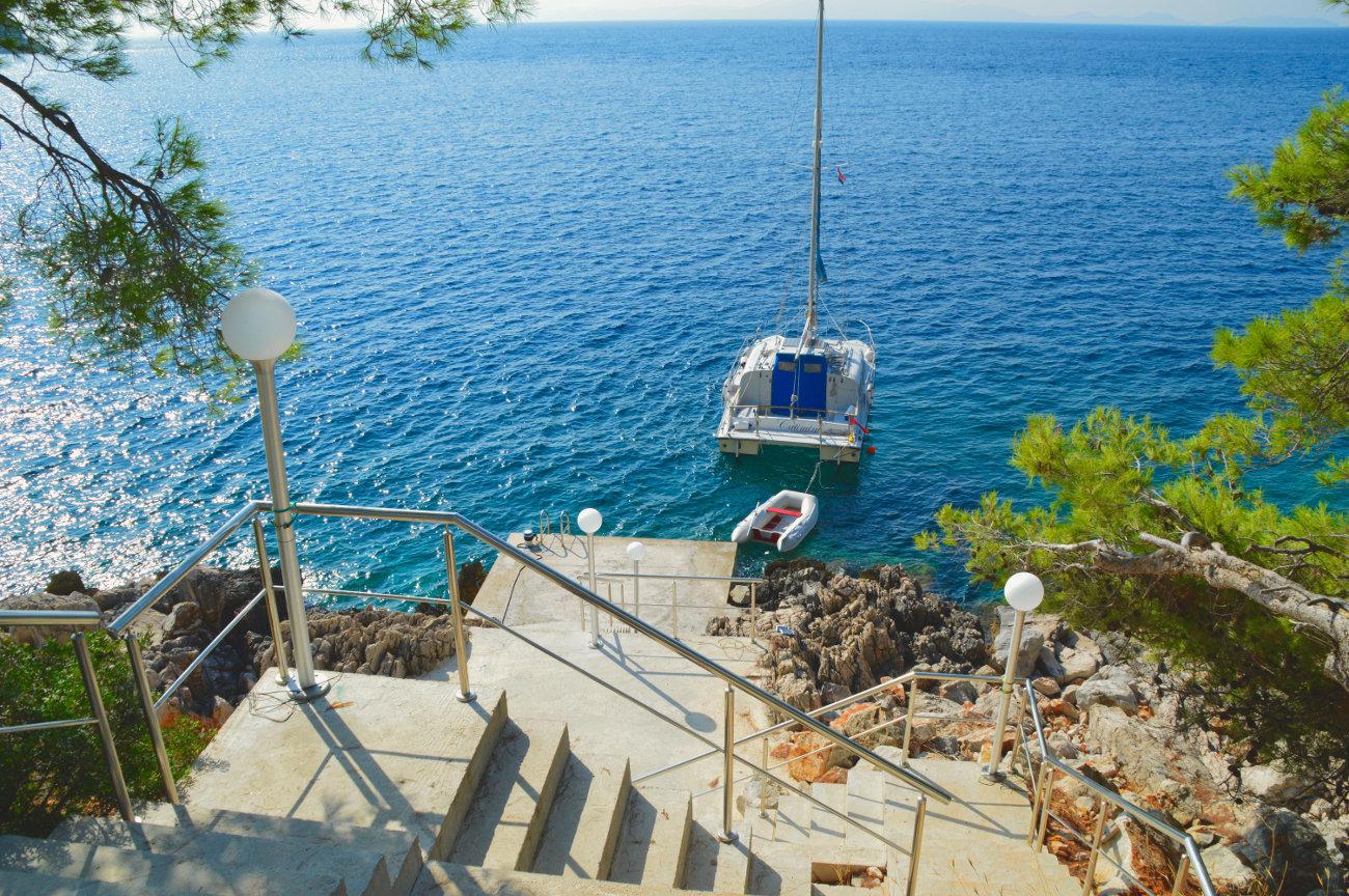 Villa en bord de mer ponton et mouillage privé