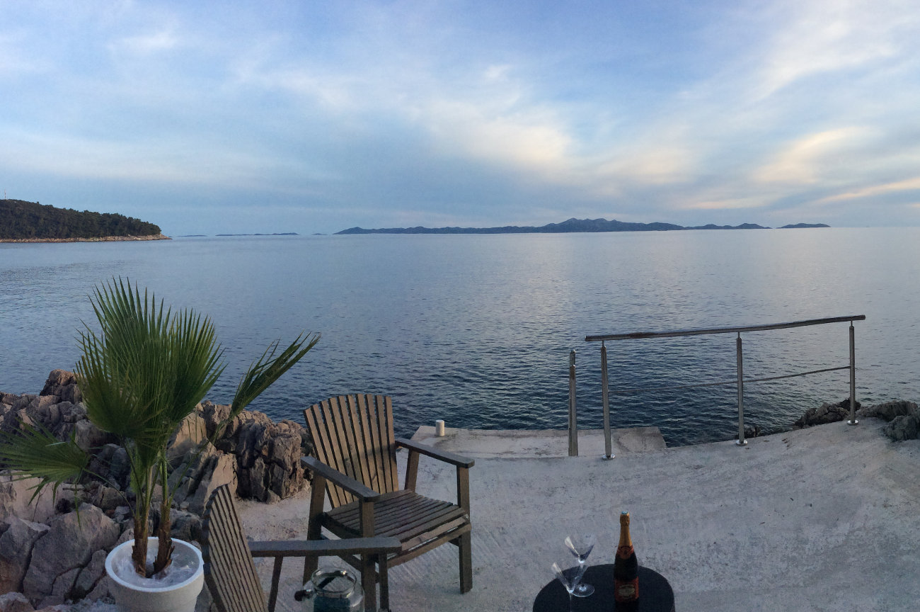 terrasse bord de mer, chaises, champagne